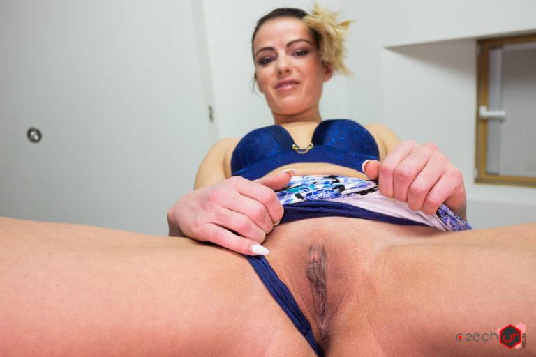 Samantha Joons Face-Sitting VR Porn