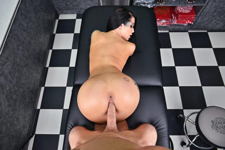 katrinadamonhor_big_img3